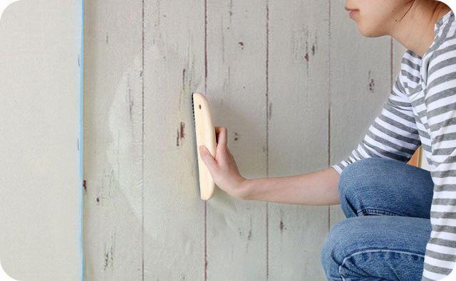 生のり付き壁紙 空気抜け