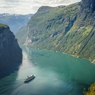輸入壁紙 カスタム壁紙 PHOTOWALL / Green Water of Geirangerfjord, Norway (e29913)