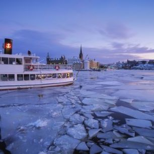 輸入壁紙 カスタム壁紙 PHOTOWALL / Archipelago Boat in Ice Covered Riddarholmen (e40450)