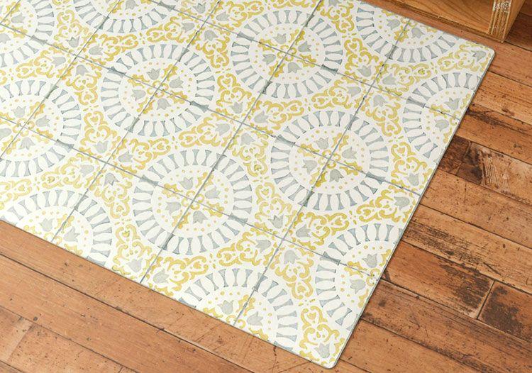 Antique Tile Light gray × Yellow あかるいカラーのアンティークタイルデザイン