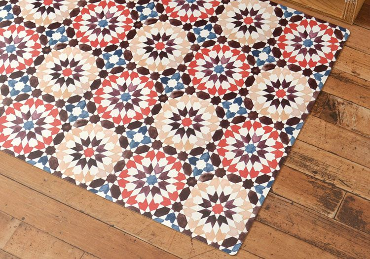 Moroccan Tile Red モロッコタイルの定番デザインを透明感のある水彩風で