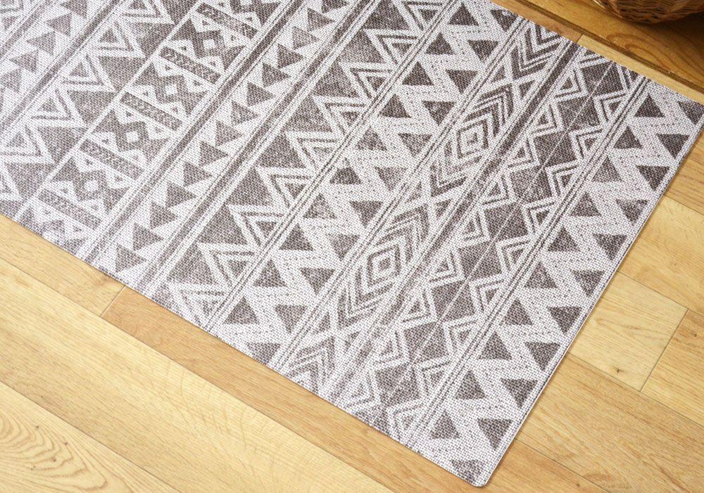African 03 ざっくりした布のテクスチャーに 使い込んだようなシャビーなデザイン