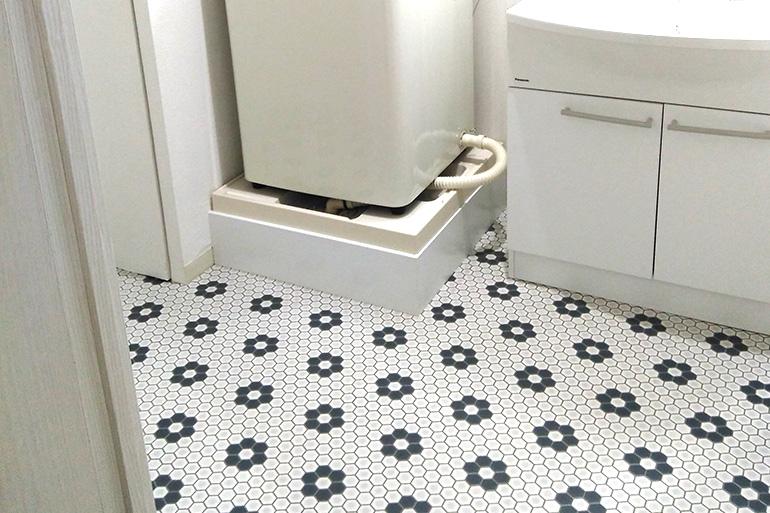 洗面所には大人気のハニカム柄を SHM-1116