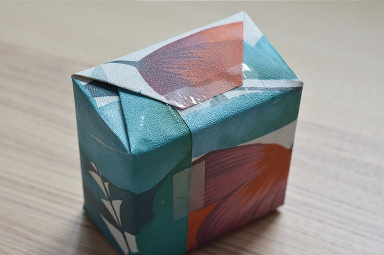 wrapping_tape_tiny