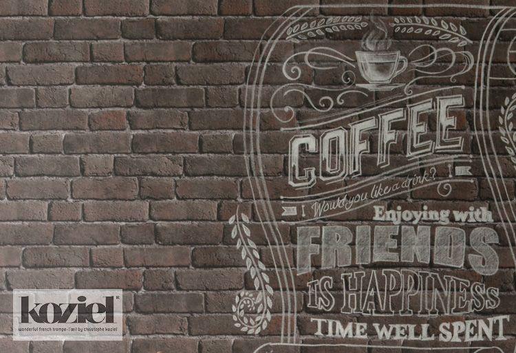カフェのような雰囲気のレンガ